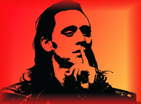 Tom Hiddleston (http://de.wikipedia.org/wiki/Tom_Hiddleston) als Loki in den Marvel-Verfilmungen rund um Thor und die Avengers. Äusserlich durchaus ein Loki-Typ, dennoch entsprechen die im Film dargestellten 'Allmachtsfantasien' in keinster Weise der Loki-Energie!
