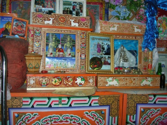 Ein mongolischer Hausaltar.