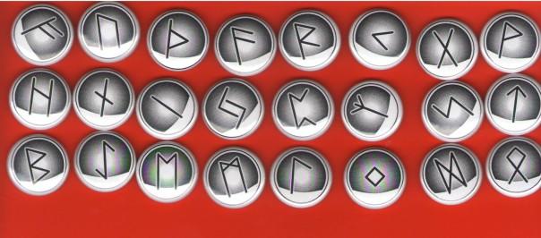 Das neue Runenfuthark von Exo. Pins sind 25 mm