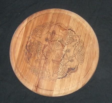 Hier noch nicht ganz fertig - die Rhiannon Altar-Platte!