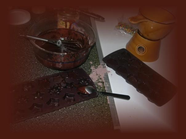 Das Herstellen von Schokolade braucht viel Liebe und Konzentration.