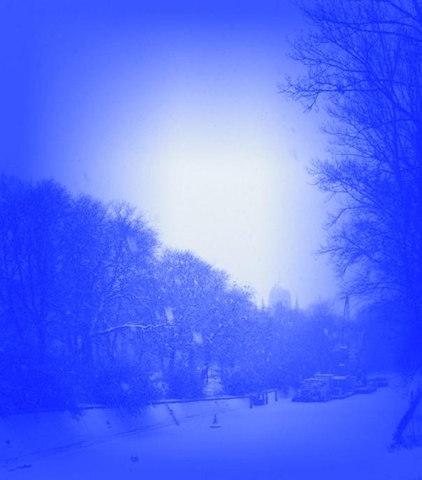 Der Landwehrkanal im Schneetreiben.