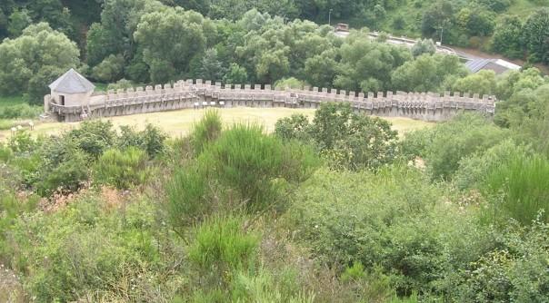 Rekonstruierte und begehbare Römerwarte auf dem Katzenberg bei Mayen