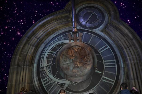 Die gewaltige Pendeluhr von Hogwarts hat mich schwer beeindruckt.