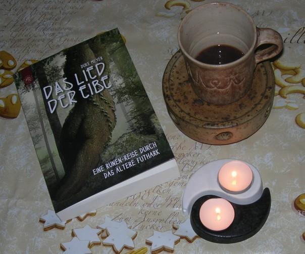 """Glühpunsch, Kerzen und """"Daas Lied der Eibe"""""""