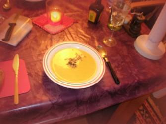 Heiße Suppe an kalten Wintertagen wirkt Wunder!
